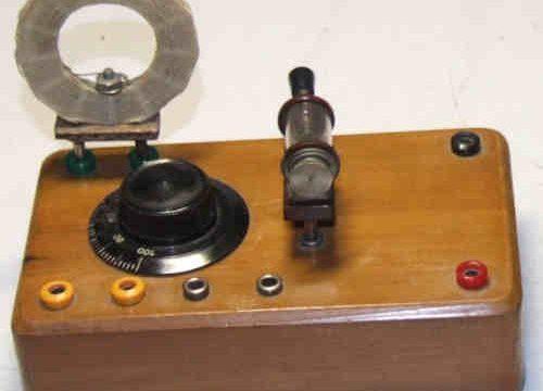 NOVELLE RADIOSE: LA RADIO SENZA ENERGIA