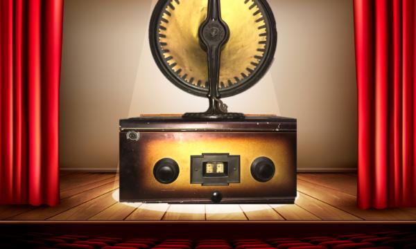 LA RADIO VA A TEATRO